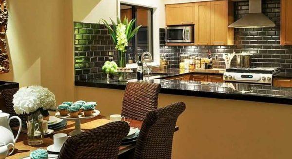 Отделка стен на кухне требует тщательного подбора материала
