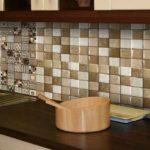 Мозаика может быть и из плиток размером в 3-5 см