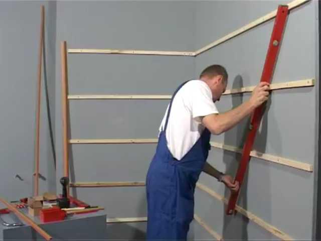 Обрешетка для стеновых панелей должна быть в одной плосткости