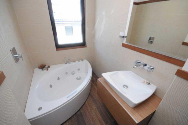 Акриловые ванны хороши тем, что есть они разных форм и размеров