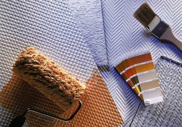 Как клеить стеклообои: нужен клей, валик, кисточка, пластиковый шпатель и острый нож