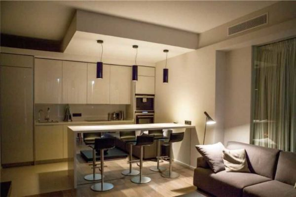 Каким сделать потолок на кухне - непростой вопрос