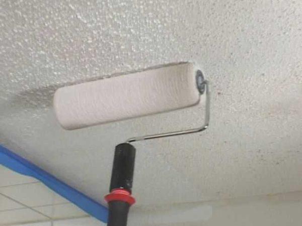 Побелка потолка - старый способ, который все реже встречается