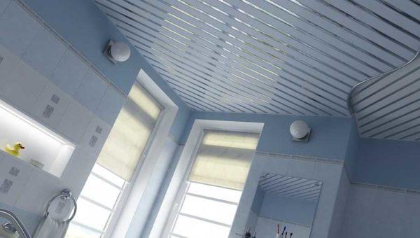 Реечный подвесной потолок - один из вариантов недорогого ремонта