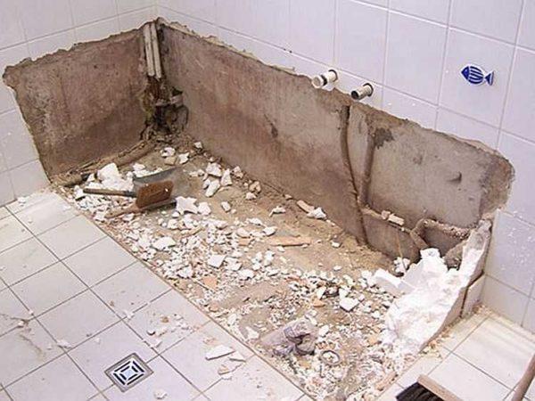 Первый этап ремонта ванной комнаты - демонтаж сантехники