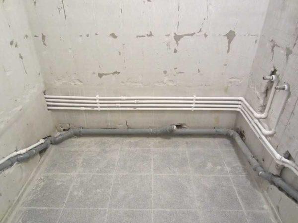 Замена водопровода и канализации - обязательный пункт в пошаговом плане ремонта ванной комнаты