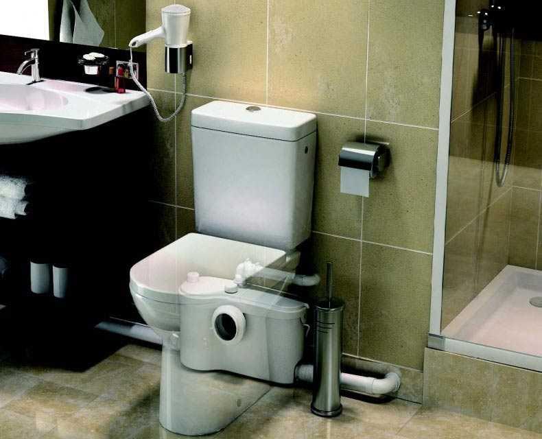 Канализационный насос для унитаза и другой сантехники имеет небольшие размеры