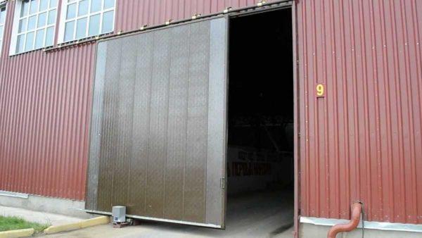 Подвесные автоматические гаражные ворота