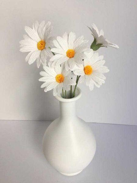 cveti-iz-gofrirovannoj-bumagi-27-1-450x600 Гофрированная бумага, применение, виды, изготовление