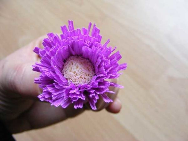 cveti-iz-gofrirovannoj-bumagi-40-600x450 Мастер-класс «Букет цветов из бумаги». Воспитателям детских садов, школьным учителям и педагогам