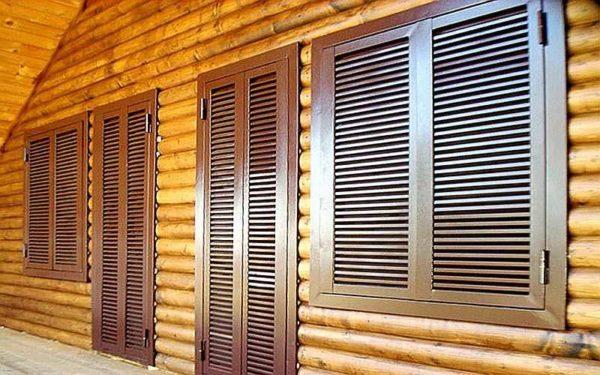 Металлические двери-жалюзи - часть охранной системы дома