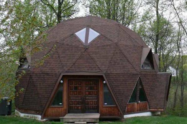 Купольные дома имеют узнаваемый внешний вид