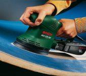 Эксцентриковая шлифовалка позволяет обрабатывать изогнутые поверхности