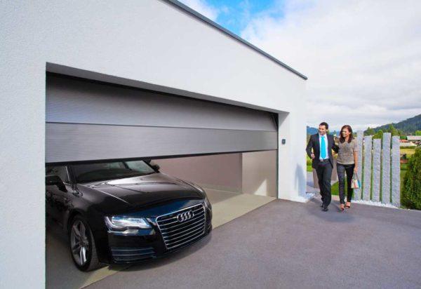 Секционные автоматические ворота для гаража многие считают лучшим выбором