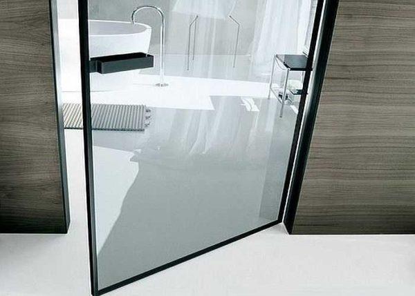 Специальный профиль, к которому с двух сторон приклеены стекла. Хороший вариант по звуконепроницаемости