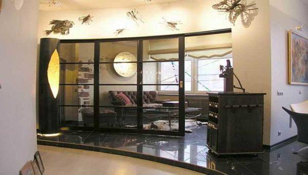 Рамные стеклянные перегородки в квартире или доме смотрятся очень неплохо... главное, чтобы стиль соответствовал