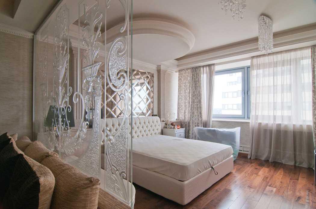 Стеклянные перегородки в квартире: раздвижные, межкомнатные, интерьерные