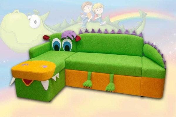 Угловой диван для детской может быть в виде мультипликационного героя