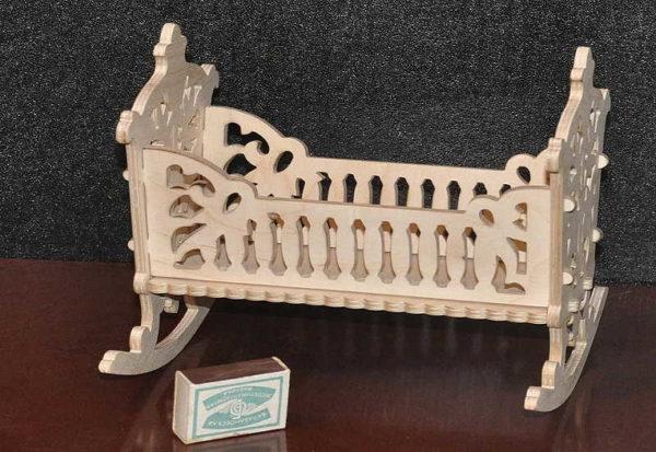 mebel-dla-kukol-46-600x413 Как сшить игрушечную мягкую мебель для кукол своими руками