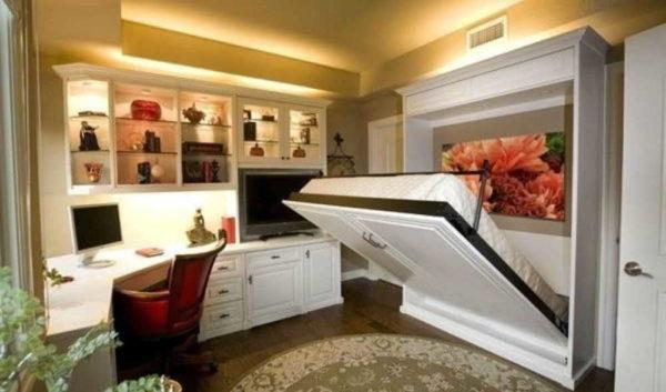 """На место """"под кроватью"""" все равно ничего не поставишь"""