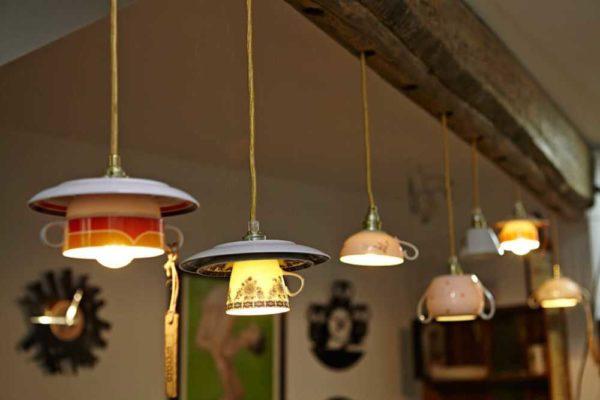 Лучше не придумаешь: плафоны для люстры на кухню из чашек
