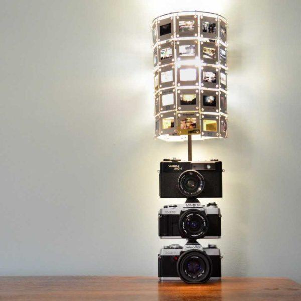 Есть старые слайды и фотоаппараты? Сделайте уникальный светильник для фотографа!