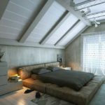 """Чуть более темный цвет позволяет выделить балки не слишком """"утяжеляя"""" потолок"""
