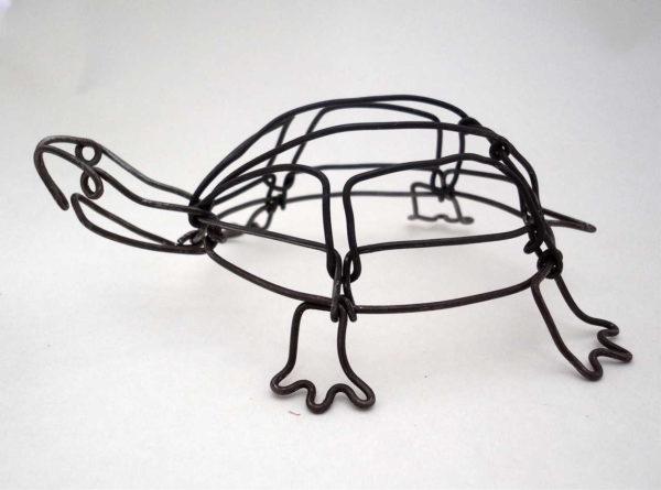 Пример: каркас черепахи из проволоки