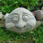 Еще одна симпатичная самодельная фигурка для сада