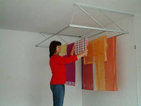Одна из моделей потолочного монтажа