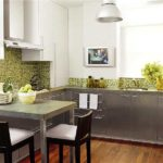 Серо-зеленая кухня: нержавеющая сталь имеет тоже оттенок серого
