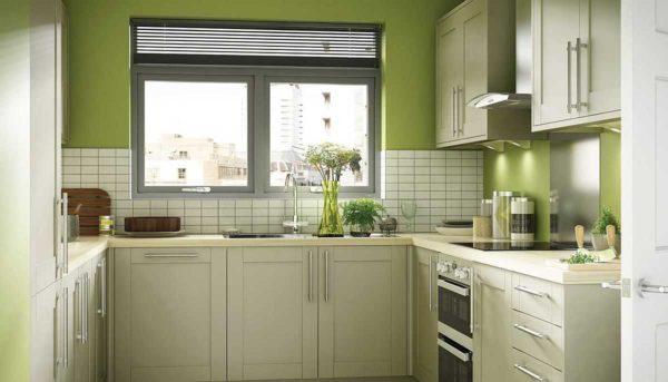 Зеленый, белый, серый - классическая комбинация. Никогда не прогадаете, если ее выберете