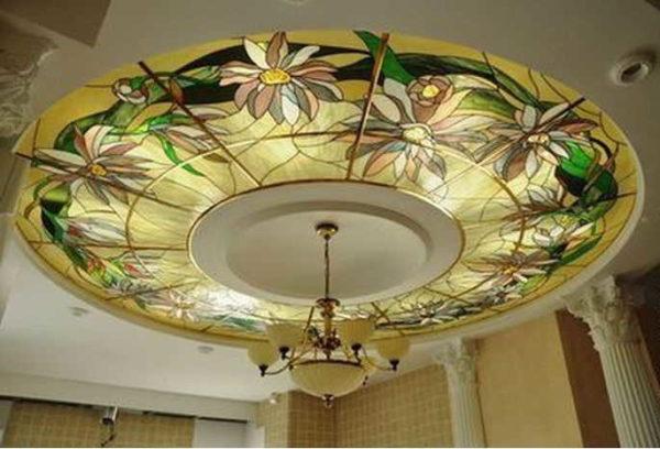 Круглый потолочный витраж с подсветкой