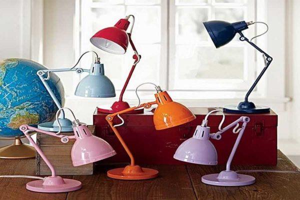 Далеко не все из этих ламп одинаковой конструкции подходят для рабочего стола