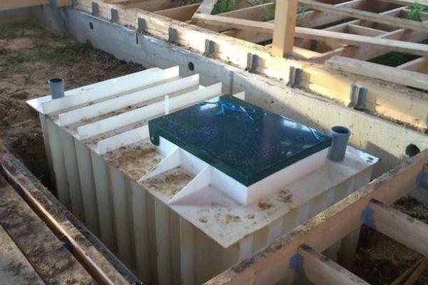 Пластиковый погреб для дома или дачи с наваренными ребрами жесткости