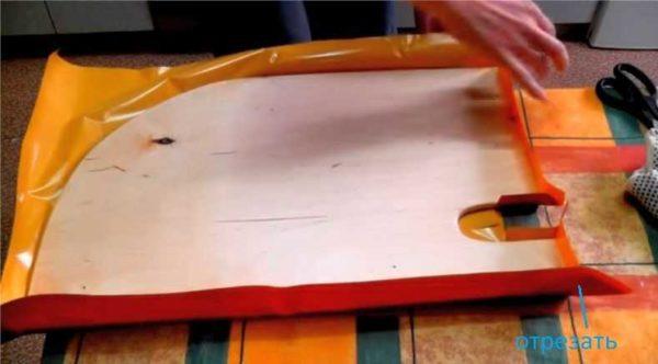 Способ поклейки углов мебели самоклеящейся пленкой