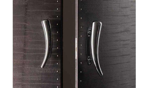 """Длинная ручка для двери стационарного монтажа: один из вариантов. Такие еще называют """"скобы"""""""