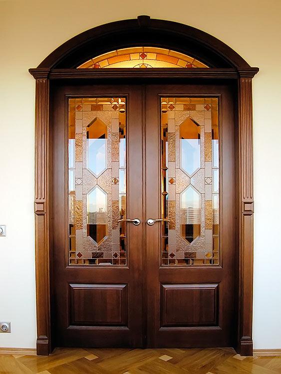 Арочная деревянная межкомнатная дверь