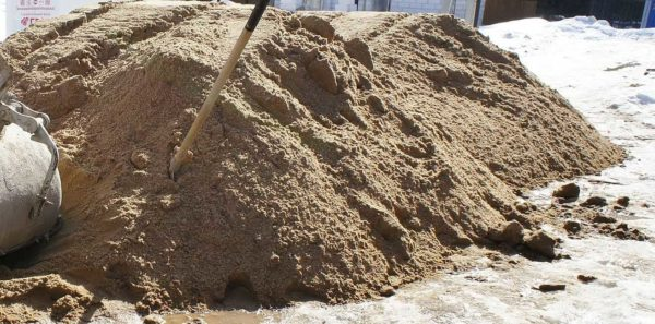 Какой песок нужен для стяжки пола: речной мытый, двух фракций (не мелкий)