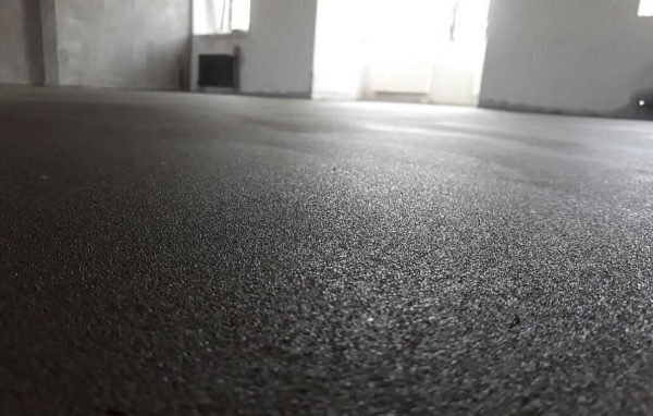 Марка цементно-песчаного раствора для стяжки выбирается исходя из укладываемого напольного покрытия