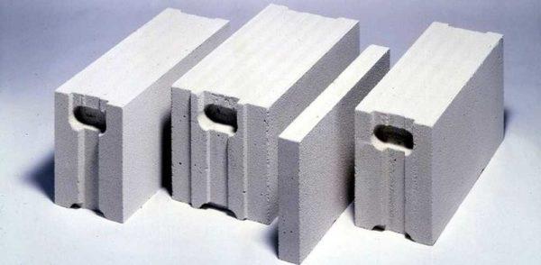 Газобетонный блок хорош для быстрой постройки дома