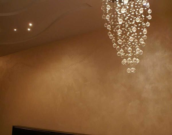 Декоративное окрашивание стен: эффект шелка