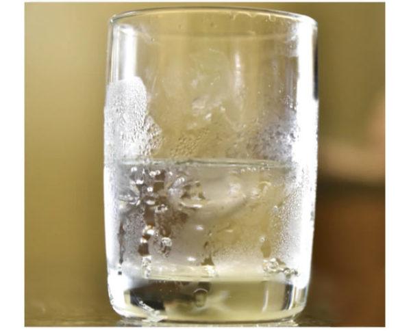повышенный конденсат на стакане