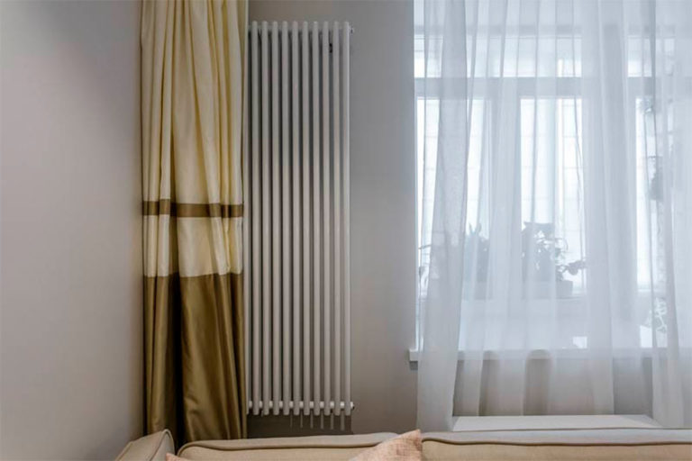 Радиаторы за шторами
