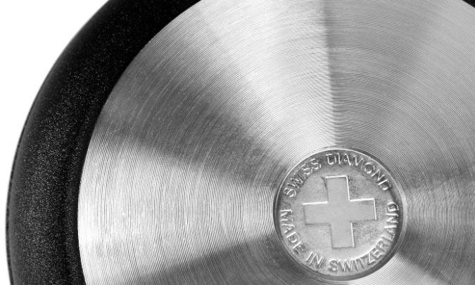 Днище швейцарской алюминиевой сковороды Swiss Diamond Classic