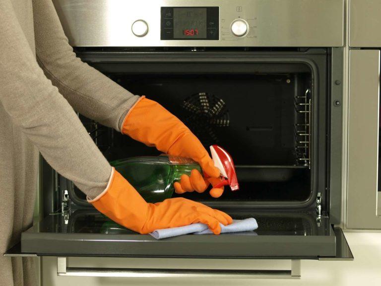 """Найти """"лучшее"""" средство для чистки духовки можно и за небольшую цену"""