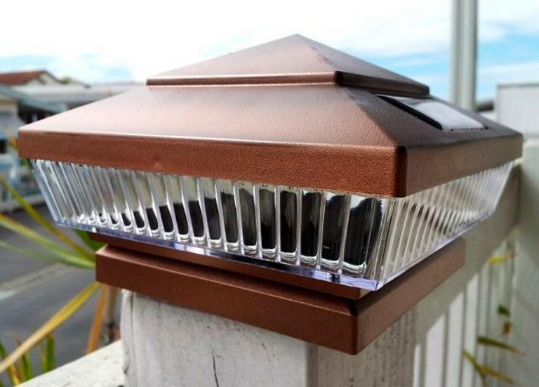 Медные светильники с солнечными батареями от Atlantic Solar - отличное решение для деревянных и виниловых / поливинилхлоридных ограждений